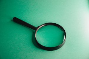 magnifying glass 5288875 1920 2
